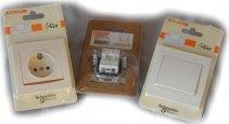 Упаковка розеток и выключателей