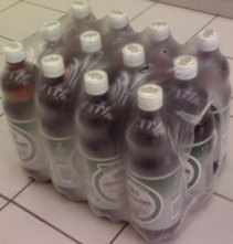 Групповая упаковка пластиковых бутылок