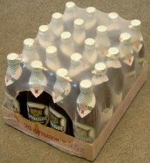 Групповая упаковка стеклянных бутылок с пивом